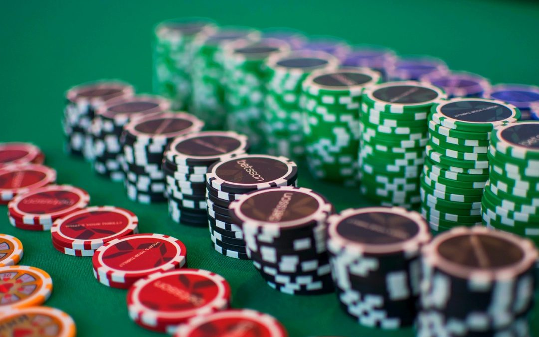 Why is Baccarat such a popular gambling game?